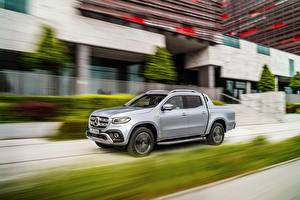 Photo Mercedes-Benz Moving Silver color Pickup 2018 X-Class Cars