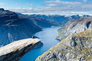 Hintergrundbilder Norwegen Berg Landschaftsfotografie Bucht Canyons Trolltunga Natur