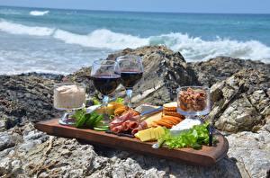 Fotos Stein Wein Käse Speck Weinglas Geschnittene Picknick Lebensmittel
