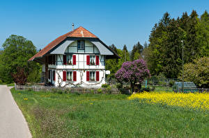 Hintergrundbilder Schweiz Haus Herrenhaus Design Zaun Gras Steinhof Städte