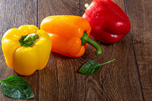 Pictures Bell pepper Wood planks Three 3 Drops Leaf Food