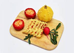 Bilder Käse Radieschen Kürbisse Paprika Grauer Hintergrund Schneidebrett Geschnitten das Essen