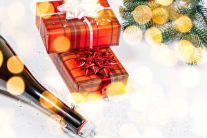 Bilder Neujahr Champagner Geschenke