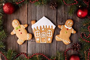 Hintergrundbilder Neujahr Backware Kekse Gebäude Bretter Design Kugeln Zapfen Ast das Essen