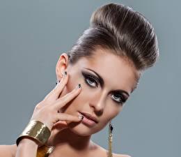 Hintergrundbilder Make Up Model Frisur Blick Gesicht Haar junge frau
