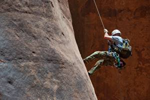Hintergrundbilder Bergsteigen Mann Felsen Bergsteiger Sport