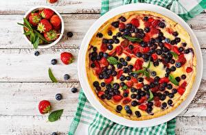 Hintergrundbilder Obstkuchen Beere Heidelbeeren Erdbeeren das Essen