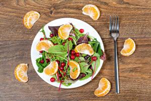 Hintergrundbilder Salat Gemüse Mandarine Beere Teller Essgabel das Essen
