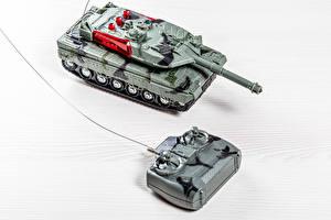 Fotos & Bilder Spielzeuge Panzer Tiere