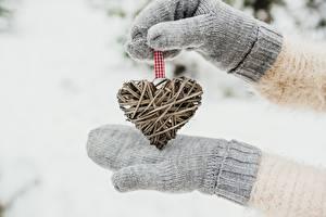 Bilder Valentinstag Hand Fausthandschuhe Herz