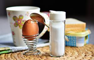 Sfondi desktop Colazione Uovo Cucchiaio Il sale soft-boiled Cibo