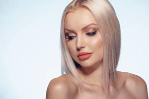 Fotos Blondine Schminke Gesicht Frisuren junge frau