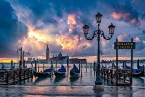 Bilder Boot Italien Waterfront Venedig Straßenlaterne Wolke Städte