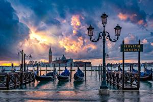 Wallpapers Boats Italy Waterfront Venice Street lights Clouds Cities