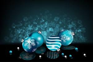 Fotos Neujahr Kugeln Spiegelt Schneeflocken