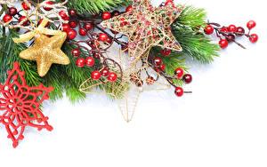 Hintergrundbilder Neujahr Beere Weißer hintergrund Ast Schneeflocken Stern-Dekoration Vorlage Grußkarte