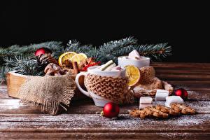 Fotos Neujahr Kekse Bretter Tasse Marshmallow Kugeln das Essen