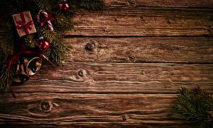 Hintergrundbilder Neujahr Dauerlutscher Bretter Ast Geschenke Kugeln Glocke Vorlage Grußkarte