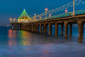 Desktop hintergrundbilder Neujahr USA Schiffsanleger Abend Kalifornien Lichterkette Bucht Manhattan Beach Natur