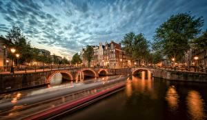 Fotos Abend Niederlande Amsterdam Brücken Flusse Kanal