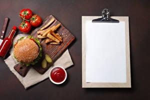 Hintergrundbilder Burger Tomate Fritten Vorlage Grußkarte Schneidebrett Ketchup Flaschen Blatt Papier Lebensmittel