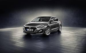 Fotos & Bilder Hyundai Grau Metallisch i30 Fastback Autos
