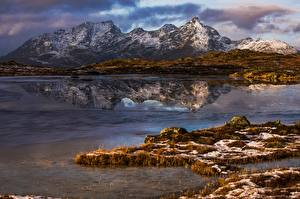 Hintergrundbilder Gebirge Lofoten Norwegen Spiegelung Spiegelbild Justadtinden Natur