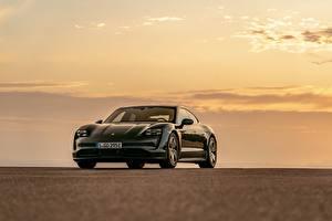 Fotos Porsche Schwarz Metallisch Coupe Taycan 4S 2020 auto