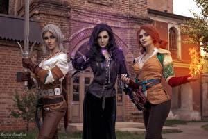 Bilder The Witcher 3: Wild Hunt Ciri Drei 3 Rotschopf Blondine Blond Mädchen Schwert Junge frau Triss, Ciri, Yennefer, Kristina Borodkina Mädchens