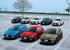 Bakgrundsbilder på skrivbordet Toyota Många Parkeringsplats 2018-19 Corolla Hatchback bil