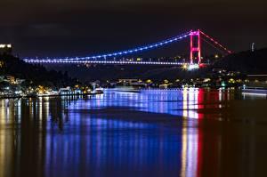 Bakgrundsbilder på skrivbordet Turkiet Istanbul Broar Natt Bosphorus