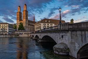 Hintergrundbilder Zürich Schweiz Fluss Brücken Abend Straßenlaterne Limmat river Städte