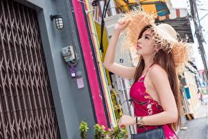Hintergrundbilder Asiaten Hand Kleid Der Hut Braune Haare junge frau