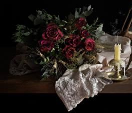 Fotos Blumensträuße Rose Kerzen Stillleben Dunkelrote Trocknen Blüte
