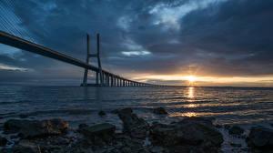 Fotos Brücke Landschaftsfotografie Portugal Bucht Lisbon, Puente Vasco da Gama Städte