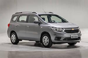 Fotos Chevrolet Ein Van Graue 2018-19 Spin LT