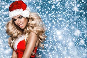 Hintergrundbilder Neujahr Blondine Mütze Starren Lächeln