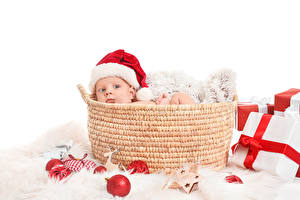 Fotos Neujahr Weidenkorb Baby Starren Geschenke Mütze Kugeln