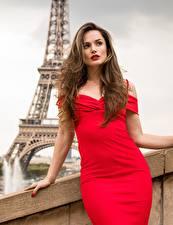Bilder Frankreich Tori Black Braune Haare Kleid Rot Model Paris junge frau