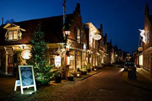 Wallpapers Netherlands Christmas Building Evening Street Street lights Edam Cities