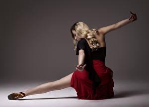 Wallpapers Posing Legs Skirt Blonde girl Dance Hands female