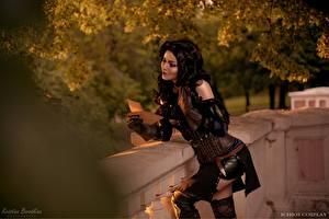 Hintergrundbilder The Witcher 3: Wild Hunt Brünette Cosplay Handschuh Yennefer, Kristina Borodkina junge frau