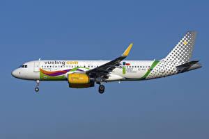 Fotos Flugzeuge Airbus Verkehrsflugzeug Seitlich A320-200S, Vueling Airlines Luftfahrt
