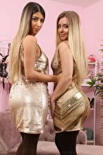 Bilder Alexa Only Elle M Only Zwei Blond Mädchen Kleid Blick Hand Mädchens