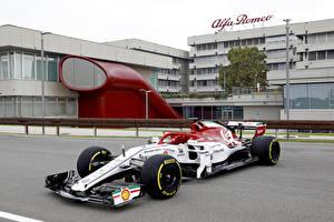 Bakgrundsbilder på skrivbordet Alfa Romeo Formel 1 2019 C38 with a special Monza livery Bilar Sport