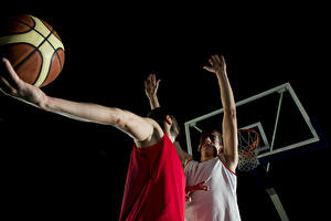 Fotos Basketball Mann Zwei Hand Ball sportliches