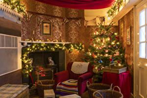 Hintergrundbilder Neujahr Innenarchitektur Design Weihnachtsbaum Lichterkette Sessel Cheminée