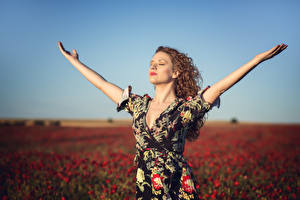 Photo Fields Papaver Blurred background Posing Frock Hands Alba Morales young woman