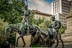 Fotos Pferde Mann Spanien Madrid Denkmal Don Quixote, Sancho Panza