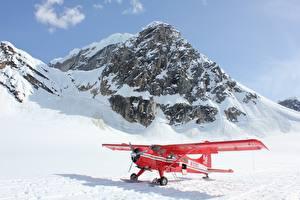 Hintergrundbilder Berg Flugzeuge Schnee Rot Luftfahrt